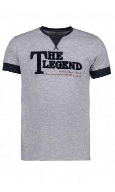 Playera gris. Modelo Legend