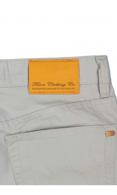 Pantalón recto color gris oxford. Modelo Maverick